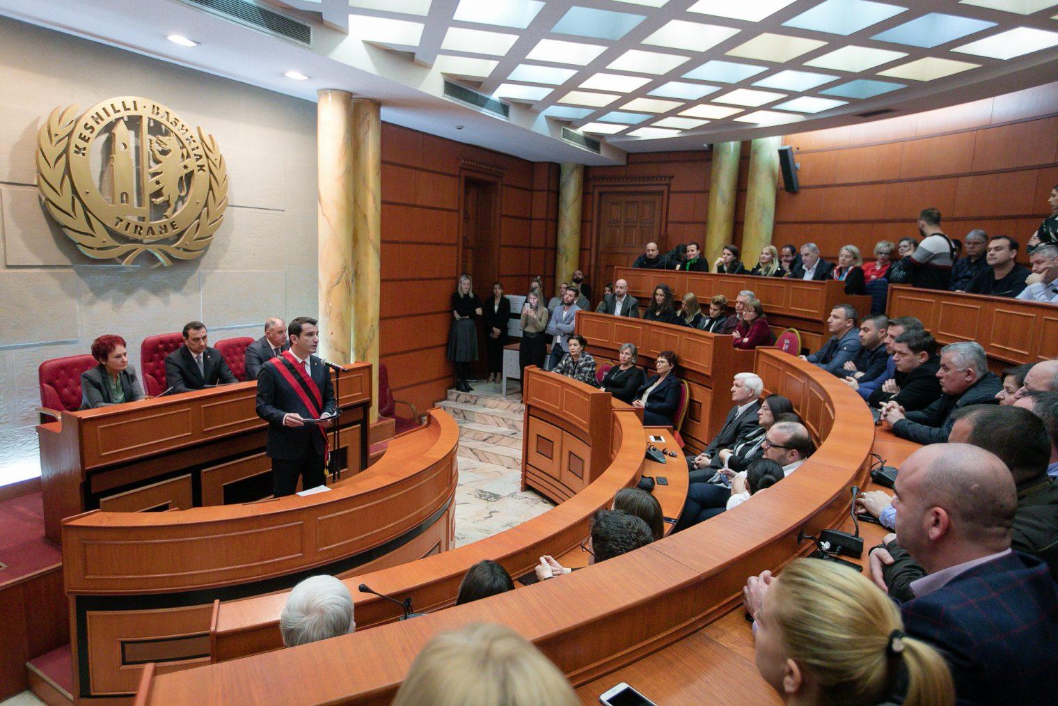 Veliaj gjate aktivitetit per 99 vjetorin e Tiranes kryeqytet (1)